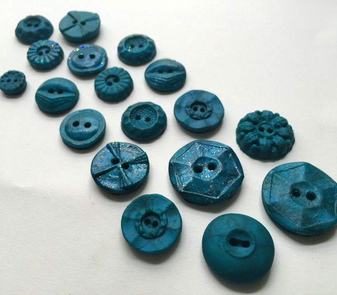 Making Buttons- Trish Stitched